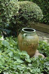HAVETID: Green garden.