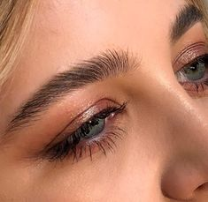Painted today some rustic shadow and fluffy brows. Painted today some rustic shadow and fluffy brows. Bushy Eyebrows, Plucking Eyebrows, Thin Eyebrows, How To Draw Eyebrows, Bold Brows, Natural Eyebrows, Drawing Eyebrows, Blonde Eyebrows, Shape Eyebrows