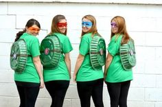 TMNT Party - DIY Turtle Shells We could do this with smaller pans for the kids lol. 4 People Halloween Costumes, Turtle Costumes, Teacher Costumes, Group Costumes, Halloween Kostüm, Tmnt Costume Ideas, Costumes For Teachers, Costumes For 3 People, Diy Ninja Turtle Costume