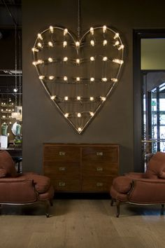 I'm not a huge fan of hearts, but this would be so rock and roll in the bedroom!