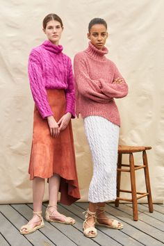 Alejandra Alonso Rojas Resort 2019 Fashion Show Collection: See the complete Alejandra Alonso Rojas Resort 2019 collection. Look 6 Knitwear Fashion, Knit Fashion, Womens Fashion, Style Casual, Look Casual, Vogue, Look 2018, Alonso, Fashion Show Collection