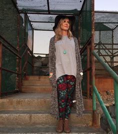 I'm sure you're getting a little tired of me gushing about how awesome the Irma tunic transitions between daily activities, so lets talk about how to take it into the nighttime! Once the sun starts to go down and the heat dissipates, just add a LuLaRoe Sara sweater to stave off the chill. This look is ideal for us here on the coast but it would be the perfect cozy combo for sitting around a campfire and roasting marshmallows too!