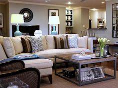 table basse style industriel en bois et métal, avec rangement dans le salon élégant
