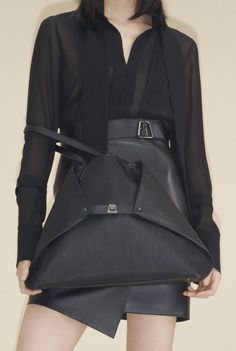 8162-00 34507-099 Noir silk georgette pleated front blouse 8339-06 04645-009 Noir leather wrap skirt with trapezoid detail 1015-RS 5029-009 Ai Medium shoulder bag in Noir cervocalf and horsehair Vogue Australia, French Capsule Wardrobe, Runway Fashion, Womens Fashion, Fashion Trends, Vogue Russia, Fashion Show Collection, Winter Collection, Jumpsuits For Women