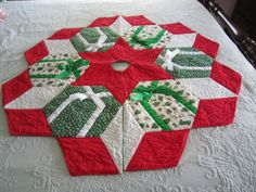 Beautiful Hand Quilted CHRISTMAS TREE SKIRT Stars Gifts Bells Snowflakes Holly