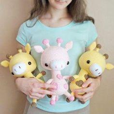 Вязаная игрушка жираф амигуруми от Ольги Аскаровой. Смотрите схему жирафа крючком и видео мастер-класс.