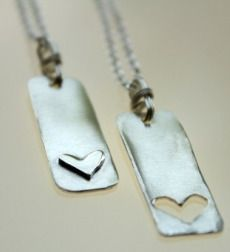 Isn't this an adorable friendship necklace!!