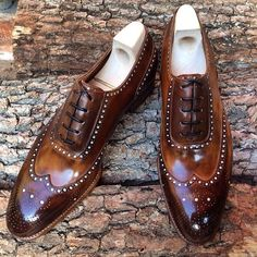 theshoemakerworld: Sometimes you discover special shoes, with personality and soul. Like this @saintcrispins Full Brogue. www.theshoemakerworld.com