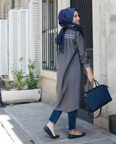 Hijab styles 754141900073229796 - Sena Sever Source by fasseum Hijab Casual, Hijab Chic, Ootd Hijab, Islamic Fashion, Muslim Fashion, Modest Fashion, Fashion Outfits, Street Hijab Fashion, Abaya Fashion