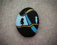Pintado de piedra chica debajo de un árbol por StoneLetters