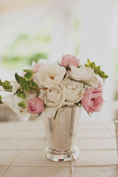 Bud vase for tables (love the vase)