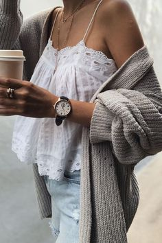 pre fall outfits Mode Outfits, Fall Outfits, Fashion Outfits, Womens Fashion, Street Style Damen, Simple Outfits, Casual Outfits, Denim Outfits, Cardigan Outfits