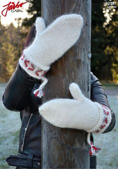 92187. LOVIKKAVANTAR TILL HELA FAMILJEN Mittens Pattern, Knit Mittens, Catsuit, Fingerless Gloves, Arm Warmers, Winter Hats, Winter Gloves, Free Pattern, Knit Crochet