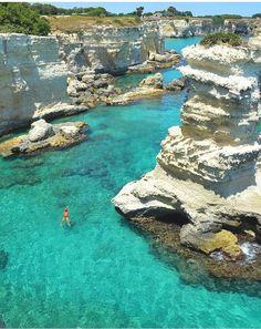Torre Sant'Andrea, Salento Otranto na Puglia, Itália. Vacation Places, Italy Vacation, Dream Vacations, Vacation Spots, Italy Travel, Places To Travel, Places To See, Italy Trip, Travel Trip