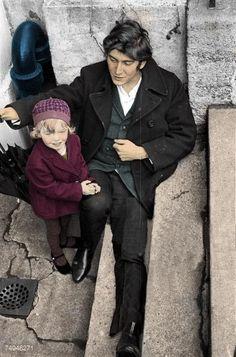 Phil Ochs and his daughter Meegan (1967).