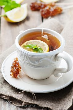 Hot tea with lemon and mint, selective focus Coffee Time, Tea Time, Coffee Coffee, Café Chocolate, Pause Café, Peppermint Tea, Cuppa Tea, My Tea, Mini Desserts
