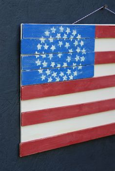 Wood plank flag with stars! Simple DIY to show your patriotic pride!