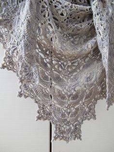 Ravelry: Gutnik's Maia Shawl (Pattern here - http://www.ravelry.com/patterns/library/maia-shawl) #crochetshawl #crochetpattern