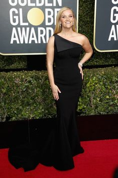 My honorable mentions for best-dressed at the Golden Globes…top ten coming soon… Reese Witherspoon in Zac Posen Allison Williams in Armani Prive Emilia Clarke in Miu Miu Nicole Kidman in Givenchy Geena Davis in Monique Lhuillier Isabelle Huppert in...