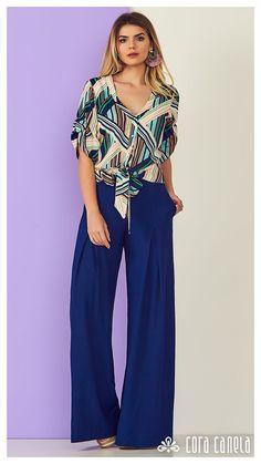 O print geométrico ganha modelagem soltinha sem perder o estilo. Chic Summer Outfits, Summer Chic, Fashion 2018, Daily Fashion, Womens Fashion, Essentiels Mode, Sewing Blouses, Pantalon Large, Looks Plus Size