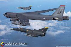 Dos cazabombarderos Kfir C-10 y un avión plataforma SR-560 'Horus' de la Fuerza Aérea Colombiana participaron en una misión de entrenam...