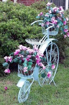 80 Awesome Spring Garden Ideas for Front Yard and Backyard garden Outdoor Planters, Garden Planters, Garden Art, Garden Design, Amazing Gardens, Beautiful Gardens, Spring Decoration, Fleur Design, Spring Landscape