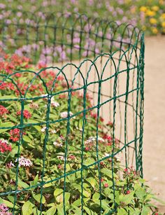 1000 images about flower bed fence ideas on pinterest for 1000 designs for the garden and where to find them