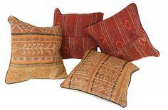 4x sehr schöne Kissenbezüge im besten Zustand (gewaschen/sauber), neu verarbeitet zum Kissen Teppich 100% aus Wolle/Wool Größe: ca. 45 cm x 45 cm Ausschließlich mit pflanzliche Farben...