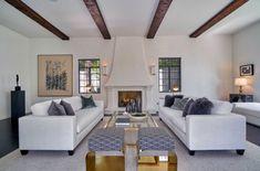 Dům v Los Angeles, kdysi vlastněný Hal B. Wallisem, bývalým filmovým producentem studia Warner Bros., se na čas stal domovem pro legendárního herce Jamese Deana. Ten v něm žil v době, kdy natáčel filmy Rebel bez příčiny, Na východ od ráje a Gigant. Nyní je na prodej za téměř 4 miliony dolarů.