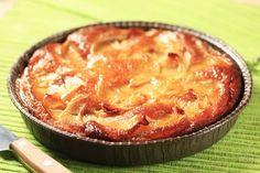 Pour passer un bon Entrées, nous vous proposons une recette de Gâteau de semoule aux pommes caramélisées . recette de cuisine, facile et rapide, par Les gourmands mediterraneens