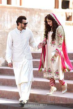 To udass udass sa lagta ha. To kemat bata muskarane ki. Couple Wedding Dress, Groom Wedding Dress, 2016 Wedding Dresses, Designer Wedding Dresses, Bridal Dresses, Wedding Couples, Bride Groom, Pakistani Bridal Couture, Pakistani Wedding Outfits