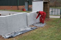 Applying a Scratch Coat Onto An Existing Background For Stone Effect Render - Plasterers News