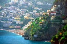 Positano: - It is one of the most visited place of Italy. Positano is a small town on the Amalfi Coast in Campania region. It is interesting to note that Positano represents an Old Italian coastal village which has deep blue sea and fresh water. Whole town is structure on the giant mountain cliff on the coast line. This place has been visited by various artists to gain inspiration for their works.