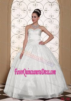 Cute Sweetheart Neck White Organza Taffeta Quinceanera Dress with Beading