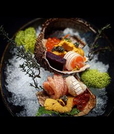 Seafood Buffet, Sea Urchin Shell, Salmon Roe, Food Presentation, Beets, Caviar, Tuna, Food Styling, Entrees