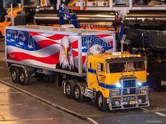 RC Truck Event Jona Switzerland - 2018 . . . #rctruck #rcmodeltruck #scale #swiss_rc_instagramer #funktionsmodellbaupin #funktionsmodellbau #swissrc #swissrcchannel #scalerc #scalerctruck #rcporn #rcscaletruck #modellbauer #rcmodellbau #peterbilt #constructionmachinery #modelltruck #tamiya #globeliner #usatrucks