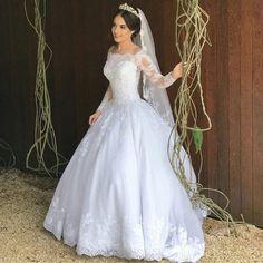 Princess Wedding Dress – Bridal Universe – My Wedding Dream White Wedding Gowns, Dream Wedding Dresses, Bridal Dresses, Pretty Dresses, Beautiful Dresses, Princess Wedding, Wedding Attire, Marie, Weddings