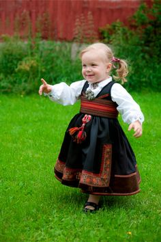 Bunad from almankas. Folk Costume, Costumes, Norwegian People, Folk Clothing, Thinking Day, My Heritage, Traditional Outfits, Cute Kids, American Girl
