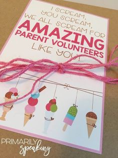Love this parent volunteer gift idea! Give your parent helpers a variety of ice cream toppings and fun cups so they can take their family ice cream experience to the next level. Post includes gift ideas, how-to, and FREE gift tags.