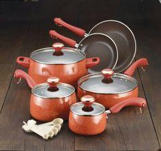 Im def getting this Paula Dean pot set!!!