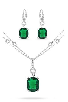 White Gold Emerald Elizabeth Necklace & Earrings. Fashion Jewelry Necklaces, I Love Jewelry, Fashion Necklace, Jewelry Sets, Jewelry Accessories, Fine Jewelry, Jewelry Design, Dress Jewellery, Jewellery Box