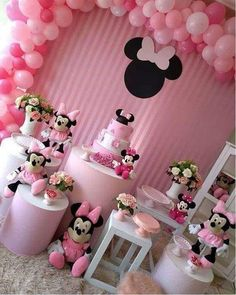 No photo description available. Minnie Mouse Birthday Theme, Minnie Mouse Clubhouse, Minnie Mouse Baby Shower, Minnie Mouse Pink, Minnie Mouse Birthday Decorations, Baby Girl Shower Themes, Alice, Google, Minnie Mouse Party