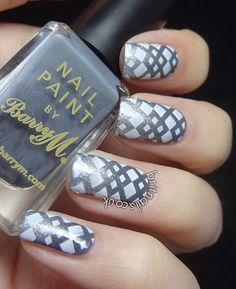 Brit Nails: Gray nail art design