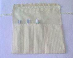 Material: toalha e fita passa fita Técnica: Costura R$16,80