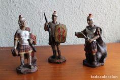 TRES SOLDADOS ROMANOS DE RESINA FIGURAS DE BELEN 12 CM