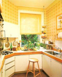 Home Decoration Ideas Mirror .Home Decoration Ideas Mirror 70s Kitchen, Vintage Kitchen, Kitchen Decor, Kitchen Yellow, Happy Kitchen, Kitchen Ideas, Retro Interior Design, Interior Office, Interior Ideas