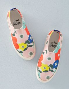 Surf Shoes 54025 Shoes at Boden