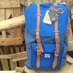 Herschel Supply Co Little America Blue. Instagram: @ngojiproject