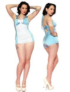 Retro Suit - Rockabilly Clothing - Online Shop für Rockabillies und Rockabellas Vintage Badeanzug der Kultmarke Steady Clothing in hellblau mit weißem Einsatz und weißer Schleife im Vorderteil. Pin-Up Girls love it!