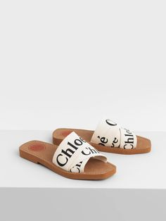 Mules Woody from Chloe on 21 Buttons Chloe Sandals, Flat Sandals, Woody, Chloe Logo, Baskets, Kicks Shoes, Flat Mules, Palm Beach Sandals, Shoes